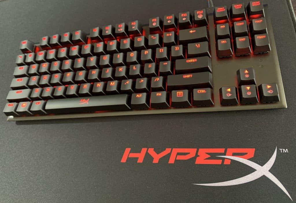 HyperX Alloy FPS Pro con mousepad Fury S Pro